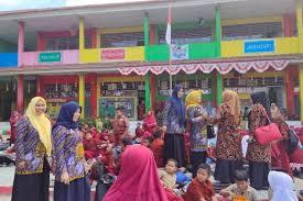 Maluku Utara melakukan pengajaran diluar ruangan